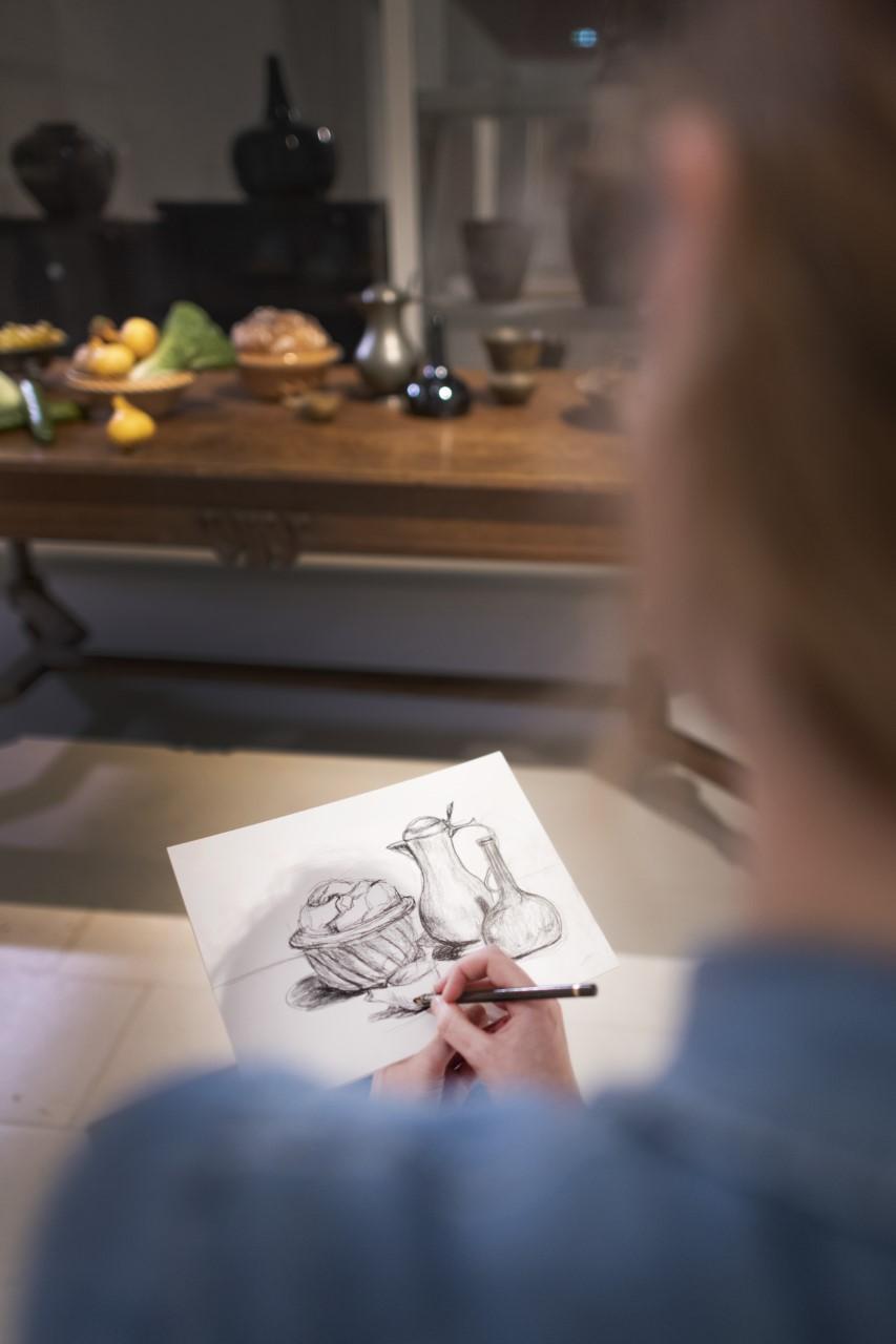 Workshop Stilleven Schetsen bij tentoonstelling Henk Helmantel in Drents Museumj