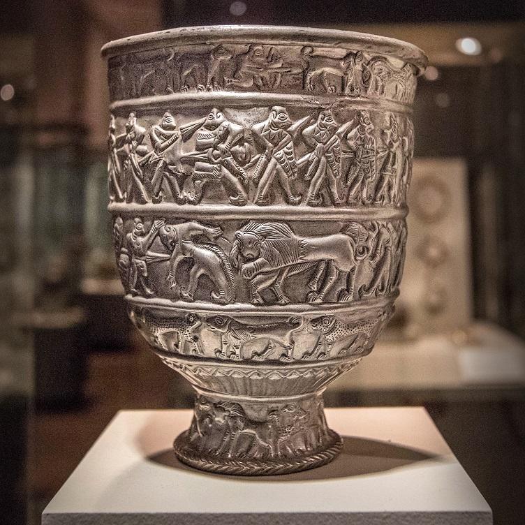 zilveren beker - in de ban van de ararat - Drents Museum